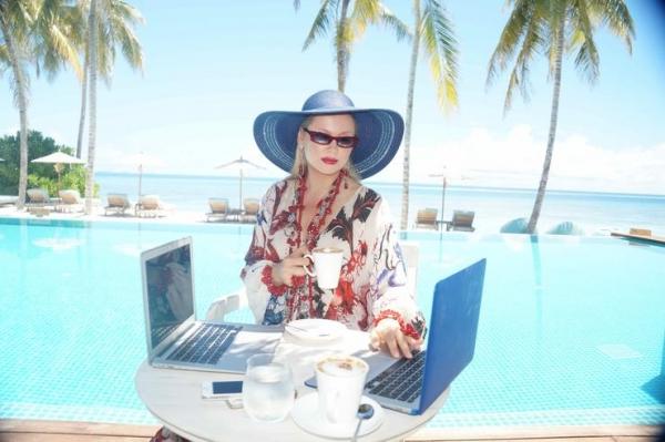 Как зарабатывать, лежа на пляже