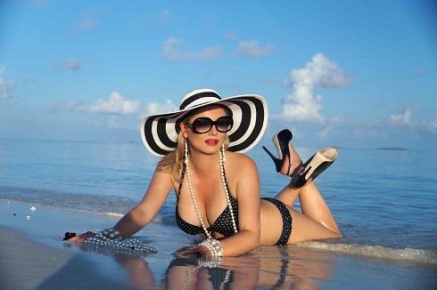 Лена Ленина: «Мода на купальники 2017»